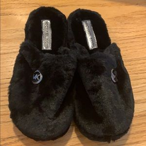 NWT Michael Kore Furry Slippers